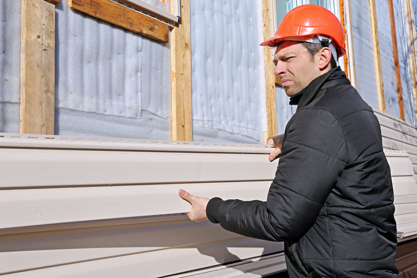 Professionals Reduce the Risks of Vinyl Siding Installations.